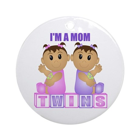 I'm A Mom (TGG:blk) Ornament (Round)
