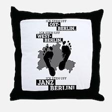 Ick steh uff janz Berlin! Throw Pillow