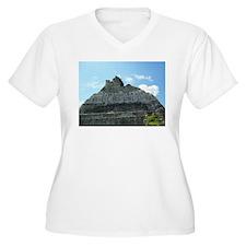 Xunanatunich Mayan Ruins in Belize Plus Size T-Shi