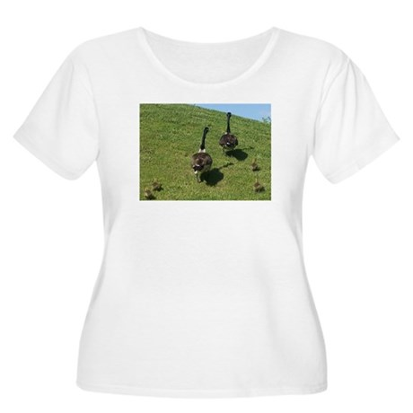 Geese Family with babies Plus Size T-Shirt