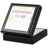 Great grandma to be Square Keepsake Boxes