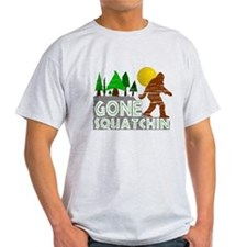 Gone Squatchin Vintage Retro Distressed T-Shirt