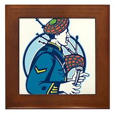 Bagpiper Bagpipes Scotsman Retro Framed Tile