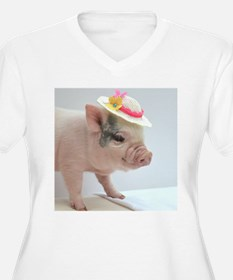 Micro pig with Summer Hat Plus Size T-Shirt