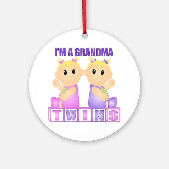 I'm A Grandma (BGG:blk) Ornament (Round)