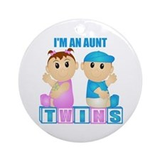 I'm An Aunt (PBG:blk) Ornament (Round)