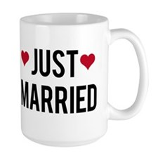 just married with two red hearts Mug