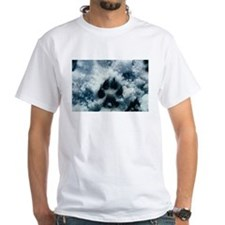 """""""Wolf Paw Print In The Snow"""" T-Shirt"""