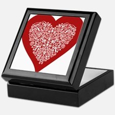 Red sparkling heart with detailed white ornament K
