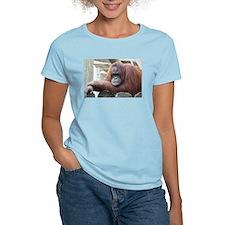 Orangutan: Strike a pose T-Shirt