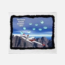 Kenneth Arnold UFO Sighting - 1947 Throw Blanket