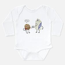 Cute Couple Showing Love Long Sleeve Infant Bodysu