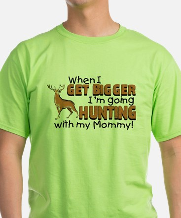 hunting mommy.png T-Shirt