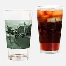 eid in queens Drinking Glass