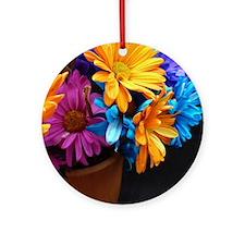 Extra-Bright Daisy Flowers Round Ornament