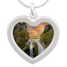 tfalls05                     Silver Heart Necklace