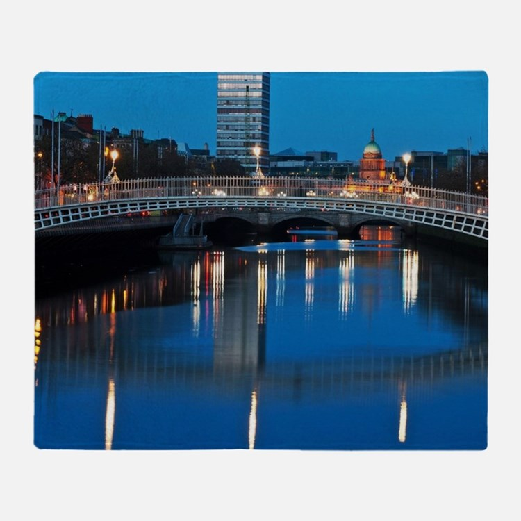 Dublin at night Throw Blanket