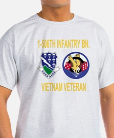 4-Army-506th-Infantry-1-506th-Vietna T-Shirt