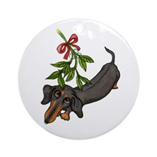 Black Tan Doxie Mistletoe Ornament (Round)