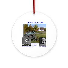 Antietam_Lee_McClellan Round Ornament