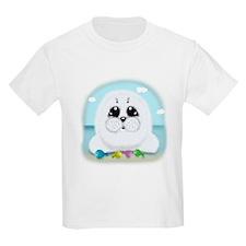 Baby Seal and fish (txt) T-Shirt