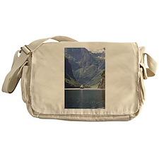 Nærøyfjorden Messenger Bag