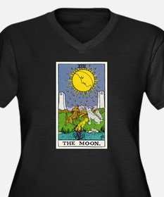 THE MOON TAROT CARD Plus Size T-Shirt