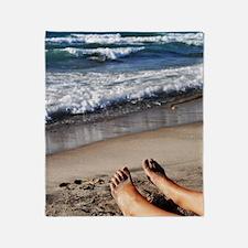 Relaxing feet Throw Blanket