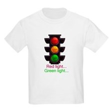 Red light, green light Kids T-Shirt