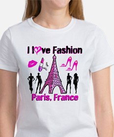 FRENCH FASHION Women's T-Shirt