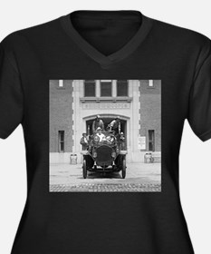Fire Engine Crew at Firehouse Plus Size T-Shirt