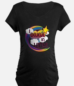 I Believe In Vinyl Cute Believer Design T-Shirt