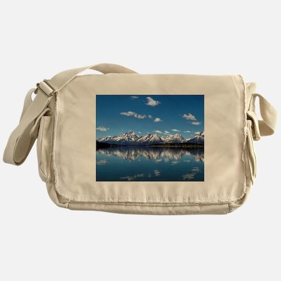 GRAND TETON - JACKSON LAKE Messenger Bag