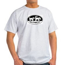 dog sniff nice to meet you T-Shirt