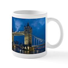 tower bridge london Mugs