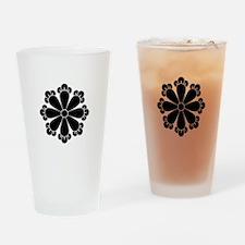 Eight cloves Drinking Glass