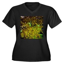 many leaves green Plus Size T-Shirt
