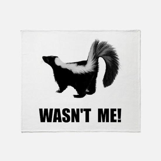 Skunk Wasnt Me Throw Blanket