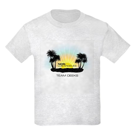 NCISLA Sunset Palms Team Deeks Kids Light T-Shirt