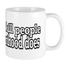 Guns dont kill people Mugs