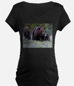 MAMMA GRIZZLY and 3 CUBS Maternity T-Shirt