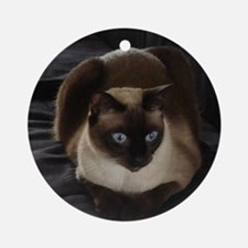 Lulú, the Siamese Cat Round Ornament
