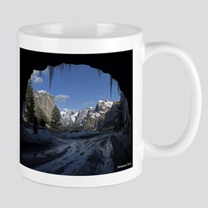 Yosemite's famous Tunnel View from the actual Mugs