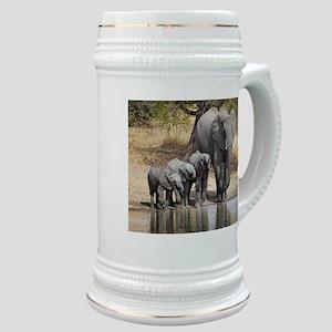 Elephant mom and babies Stein