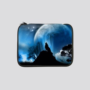 """Wolf Howling At The Moon 13"""" Laptop Sleeve"""