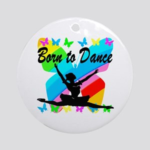 BALLET GIRL Round Ornament