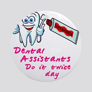 DentalAssistantsDark Round Ornament