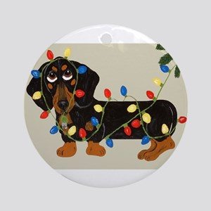 Dachshund (Blk/Tan)... Round Ornament