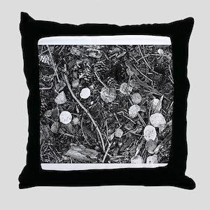 Litter crop for duvet Throw Pillow