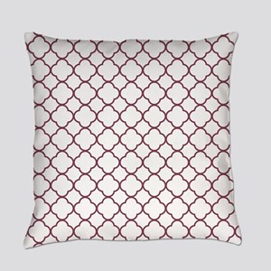 Purple, Mulberry: Quatrefoil Clove Everyday Pillow